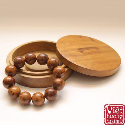 Vòng tay gỗ tự nhiên nu bách xanh cao cấp - Việt Hương Trầm
